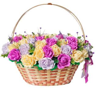 Цветы в корзинке «Поцелуй»